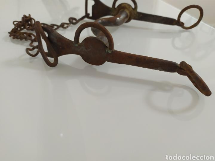 Antigüedades: Antiguo bocado de forja para Caballo de Carabineros - Foto 15 - 199294685