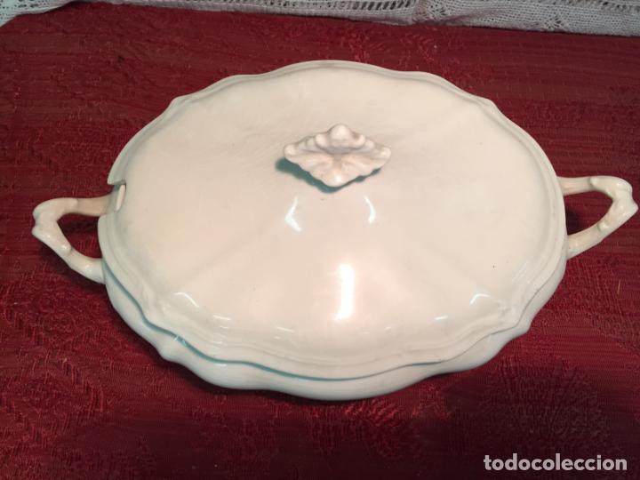Antigüedades: Antigua sopera de porcelana blanca de forma oval años 60 - Foto 2 - 199325106
