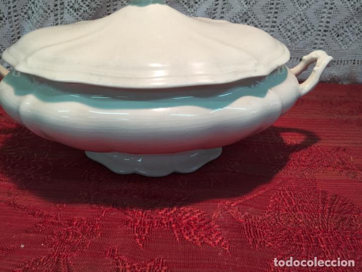 Antigüedades: Antigua sopera de porcelana blanca de forma oval años 60 - Foto 4 - 199325106