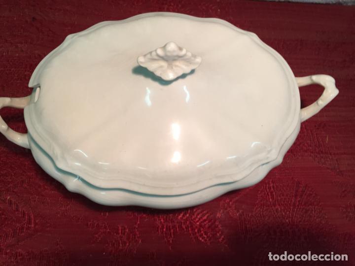 Antigüedades: Antigua sopera de porcelana blanca de forma oval años 60 - Foto 5 - 199325106