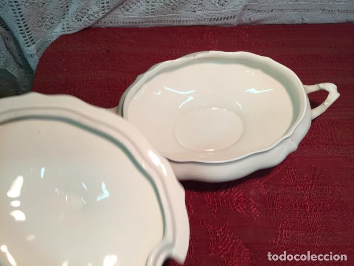 Antigüedades: Antigua sopera de porcelana blanca de forma oval años 60 - Foto 7 - 199325106