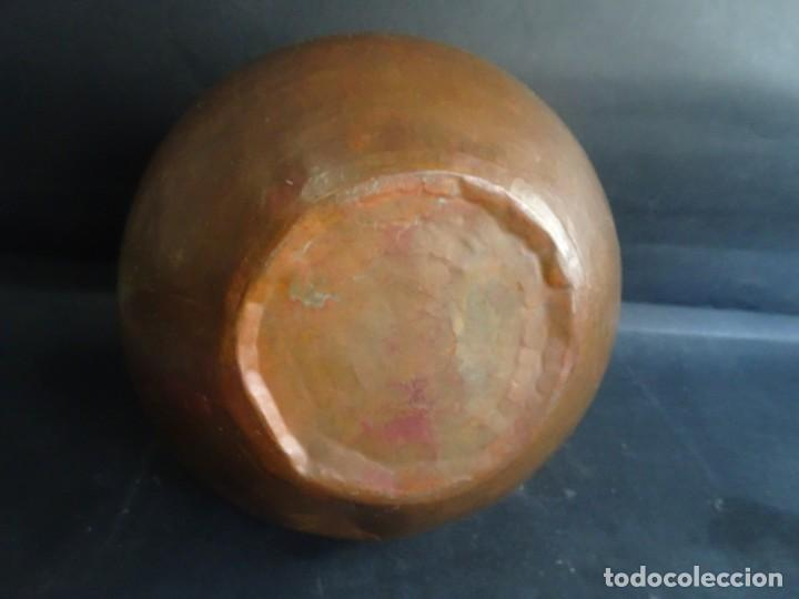 Antigüedades: ANTIGUO JARRÓN CON ASAS ,18cm ALTO 20cm X 20cm BASE 10cm , COBRE O BRONCE ,VER FOTOS - Foto 3 - 199358217