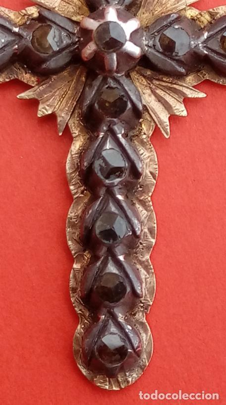 Antigüedades: CRUZ S. XIX. MONTURA EN ORO 18 KILATES CON DIAMANTES NEGROS TALLA ROSA DE FRANCIA. 6 GRAMOS - Foto 4 - 53345098