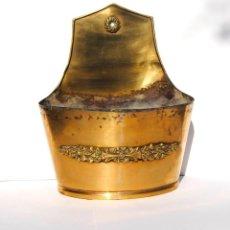 Antigüedades: MACETERO DE BRONCE DE COLGAR. Lote 199410223