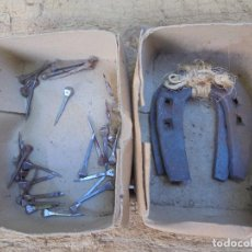Antigüedades: LOTE DE HERRADURAS (SIN USO) Y CLAVOS - FORJA ANTIGUA RURAL. Lote 199412883
