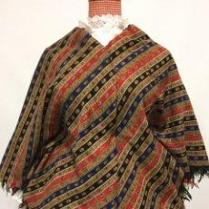 Antigüedades: MANTON DE LANA ANTIGUO A RAYAS. Lote 199413855