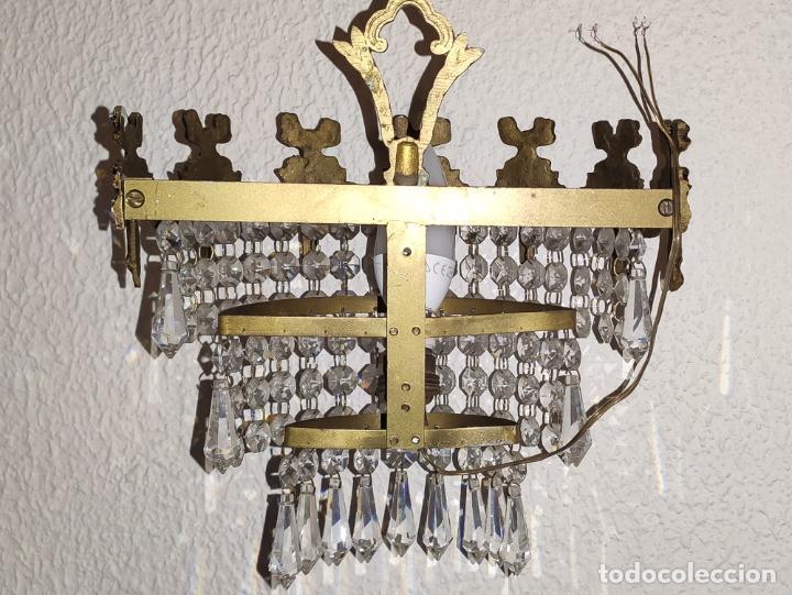 Antigüedades: MAGNÍFICO APLIQUE DE BRONCE CON LÁGRIMAS DE CRISTAL. - Foto 6 - 199428123
