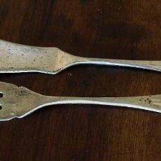 Antigüedades: CUCHILLO Y TENEDOR DE PESCADO - PLATA - JR - 60 G. Lote 199501351