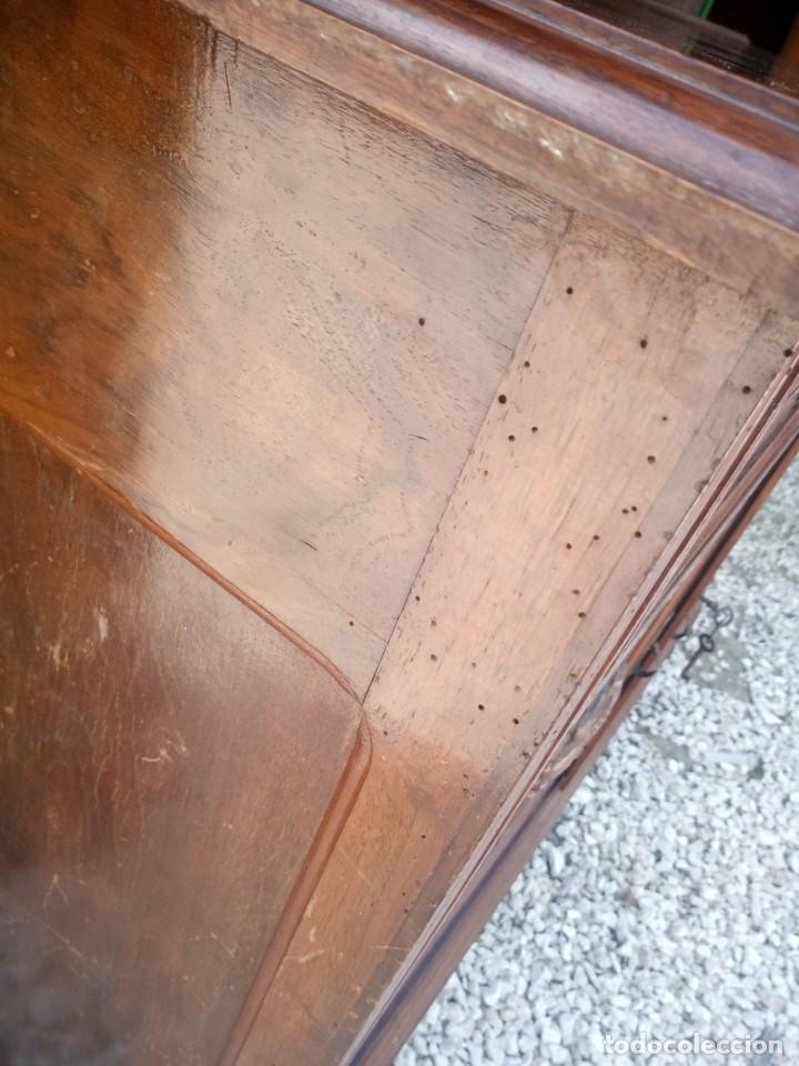 Antigüedades: Antiguo aparador de madera de roble,con espejos en las puertas y bandeja para cortar pan. siglo xix - Foto 14 - 199520533