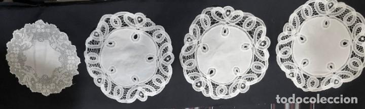 PAÑITOS BNDEJAS BORDADOS (Antigüedades - Hogar y Decoración - Manteles Antiguos)