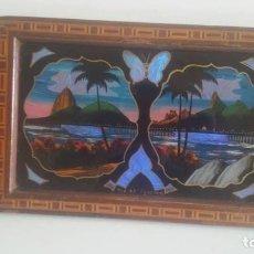 Antigüedades: BANDEJA DE MADERA Y ALAS DE MARIPOSA / BRASIL / ORIGINAL AÑOS 50. Lote 199622551