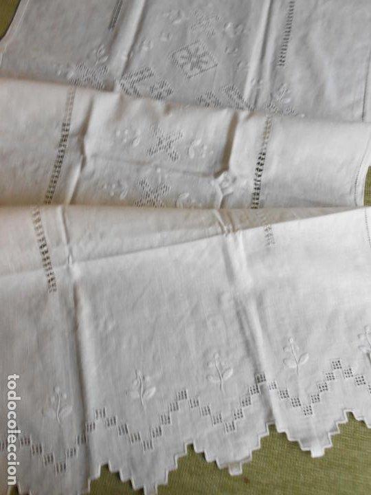 Antigüedades: Magnifica cortina de lino,bordado a mano 60 x 175 cm.Años 80.Beige muy claro. nuevo - Foto 17 - 199657561