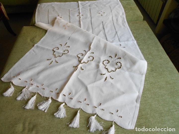 Antigüedades: Magnifica cortina de lino,bordado a mano, 80x130 cm cm.Años 80.Beige claro,con flecos. nuevo - Foto 4 - 199660301