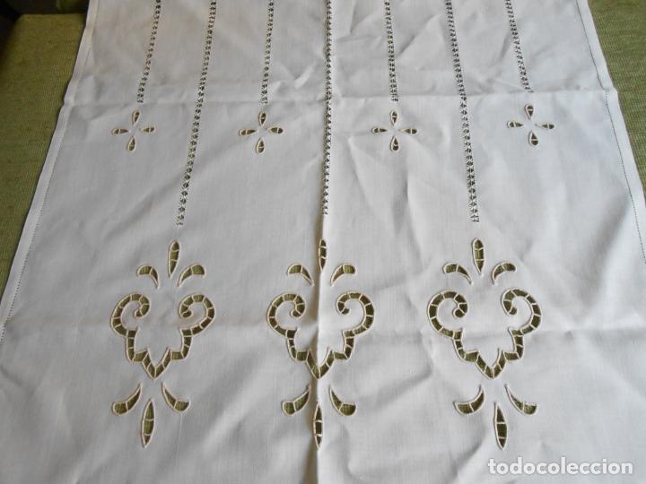 Antigüedades: Magnifica cortina de lino,bordado a mano, 80x130 cm cm.Años 80.Beige claro,con flecos. nuevo - Foto 5 - 199660301