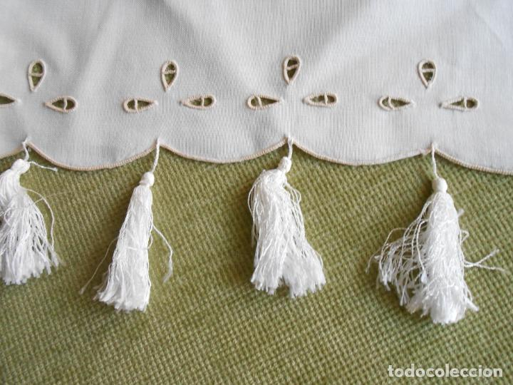 Antigüedades: Magnifica cortina de lino,bordado a mano, 80x130 cm cm.Años 80.Beige claro,con flecos. nuevo - Foto 6 - 199660301