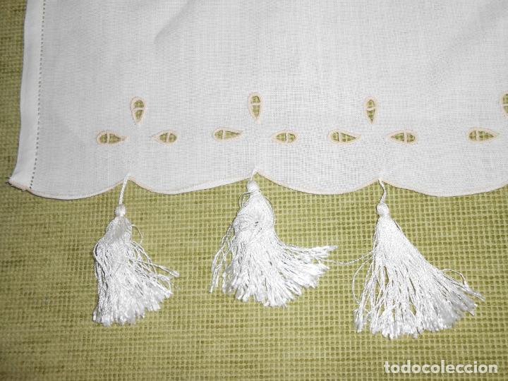 Antigüedades: Magnifica cortina de lino,bordado a mano, 80x130 cm cm.Años 80.Beige claro,con flecos. nuevo - Foto 7 - 199660301