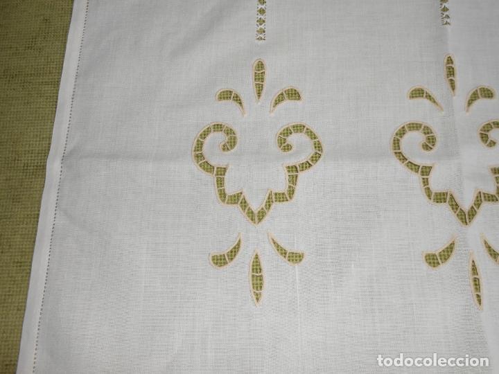 Antigüedades: Magnifica cortina de lino,bordado a mano, 80x130 cm cm.Años 80.Beige claro,con flecos. nuevo - Foto 9 - 199660301