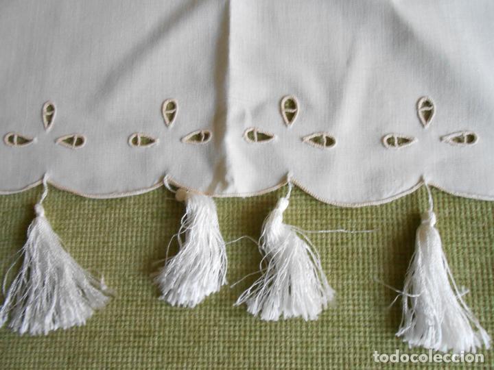 Antigüedades: Magnifica cortina de lino,bordado a mano, 80x130 cm cm.Años 80.Beige claro,con flecos. nuevo - Foto 10 - 199660301
