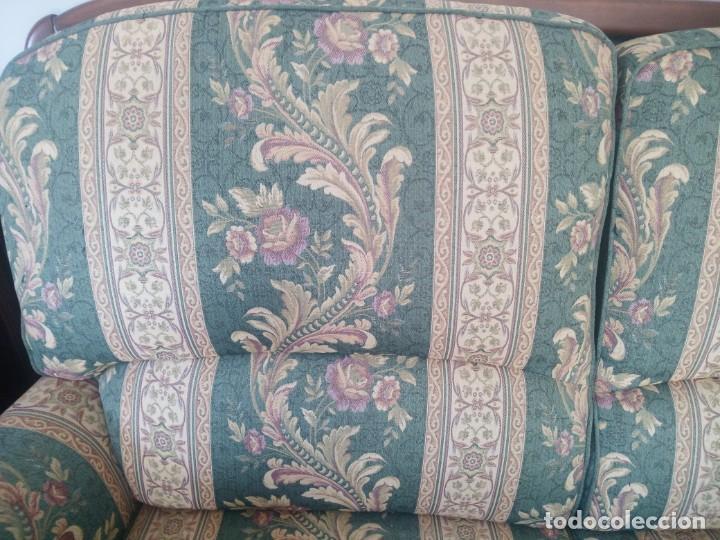 Antigüedades: Conjunto de sofá y 2 sillones,madera de roble y tapizado tonos verdes floral.años 40 - Foto 5 - 199670115