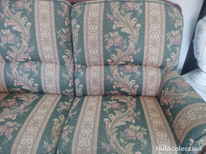 Antigüedades: Conjunto de sofá y 2 sillones,madera de roble y tapizado tonos verdes floral.años 40 - Foto 7 - 199670115