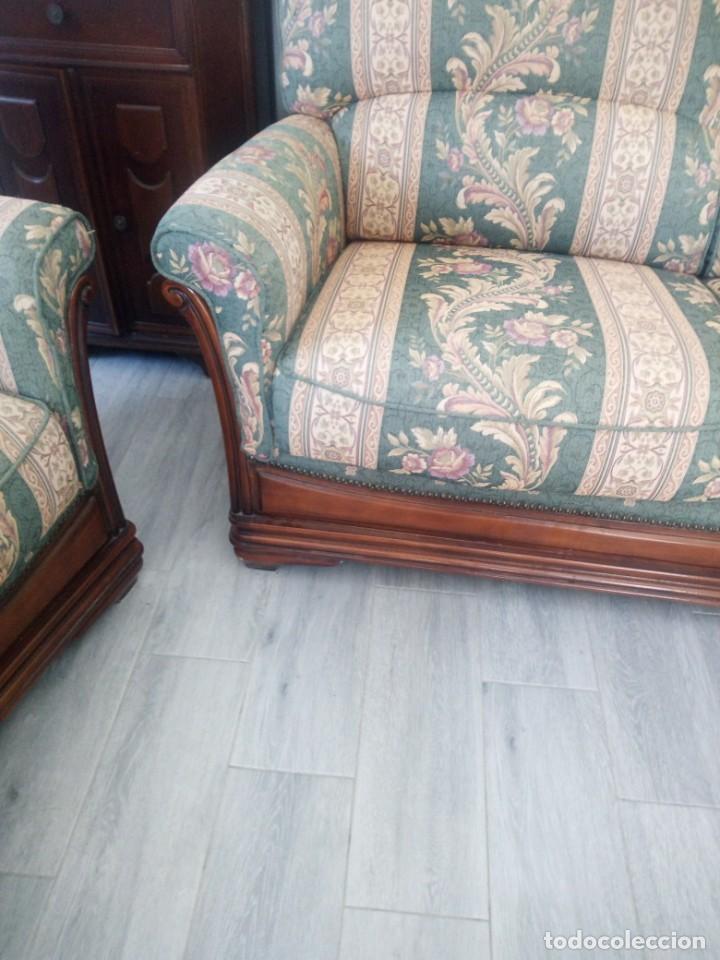 Antigüedades: Conjunto de sofá y 2 sillones,madera de roble y tapizado tonos verdes floral.años 40 - Foto 9 - 199670115