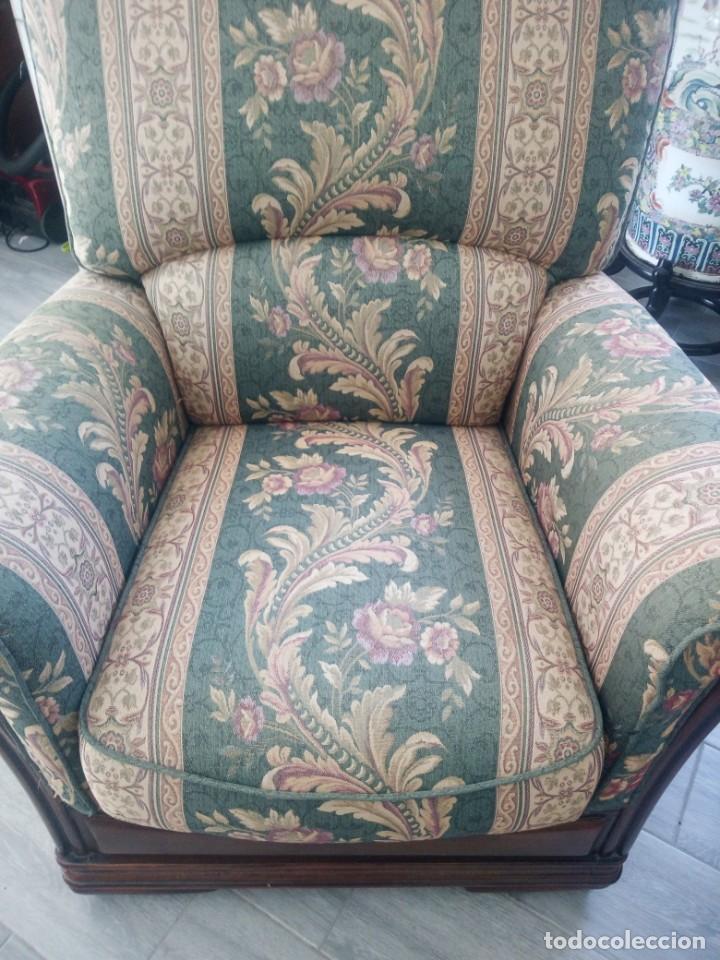 Antigüedades: Conjunto de sofá y 2 sillones,madera de roble y tapizado tonos verdes floral.años 40 - Foto 13 - 199670115