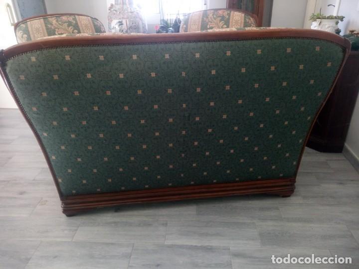 Antigüedades: Conjunto de sofá y 2 sillones,madera de roble y tapizado tonos verdes floral.años 40 - Foto 15 - 199670115