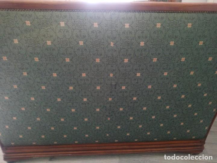 Antigüedades: Conjunto de sofá y 2 sillones,madera de roble y tapizado tonos verdes floral.años 40 - Foto 16 - 199670115