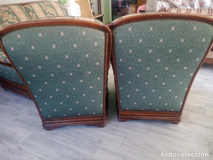 Antigüedades: Conjunto de sofá y 2 sillones,madera de roble y tapizado tonos verdes floral.años 40 - Foto 17 - 199670115