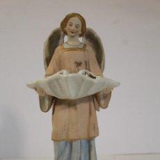 Antigüedades: BENDITERA ÁNGEL EN PORCELANA FIRMADA. Lote 199692248