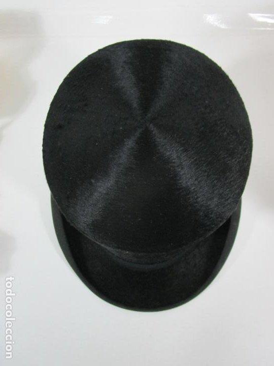 Antigüedades: Sombrero - Chistera en piel de Foca - Eduardo Arnau, Barcelona - con Caja y Guantes - Perfecto - Foto 5 - 199693785