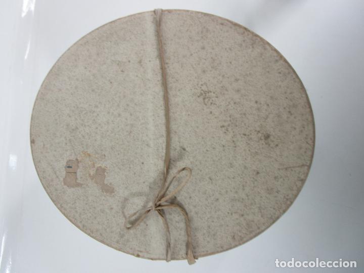 Antigüedades: Sombrero - Chistera en piel de Foca - Eduardo Arnau, Barcelona - con Caja y Guantes - Perfecto - Foto 18 - 199693785