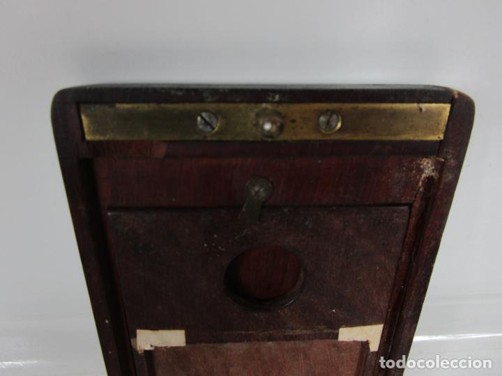 Antigüedades: Curiosa Caja, Neceser - Porta Fotos - Madera de Caoba - Utensilio en Hueso - S. XIX - Foto 5 - 199695320
