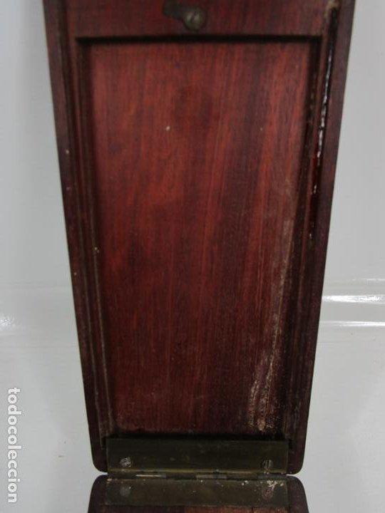 Antigüedades: Curiosa Caja, Neceser - Porta Fotos - Madera de Caoba - Utensilio en Hueso - S. XIX - Foto 7 - 199695320