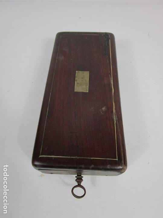 Antigüedades: Curiosa Caja, Neceser - Porta Fotos - Madera de Caoba - Utensilio en Hueso - S. XIX - Foto 24 - 199695320