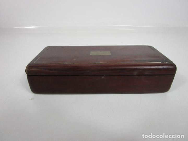 Antigüedades: Curiosa Caja, Neceser - Porta Fotos - Madera de Caoba - Utensilio en Hueso - S. XIX - Foto 26 - 199695320
