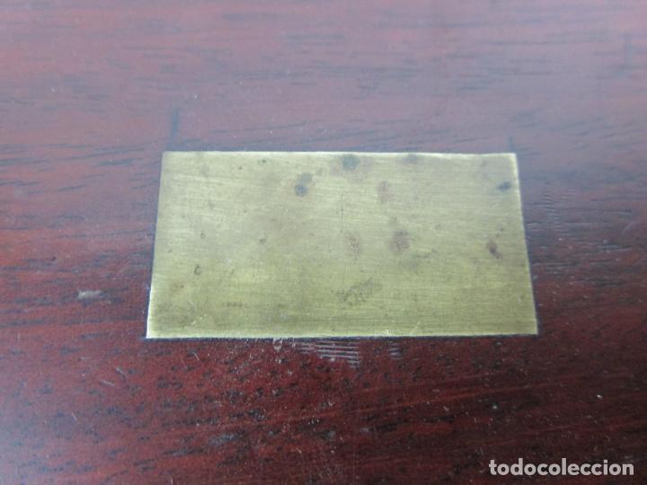 Antigüedades: Curiosa Caja, Neceser - Porta Fotos - Madera de Caoba - Utensilio en Hueso - S. XIX - Foto 29 - 199695320