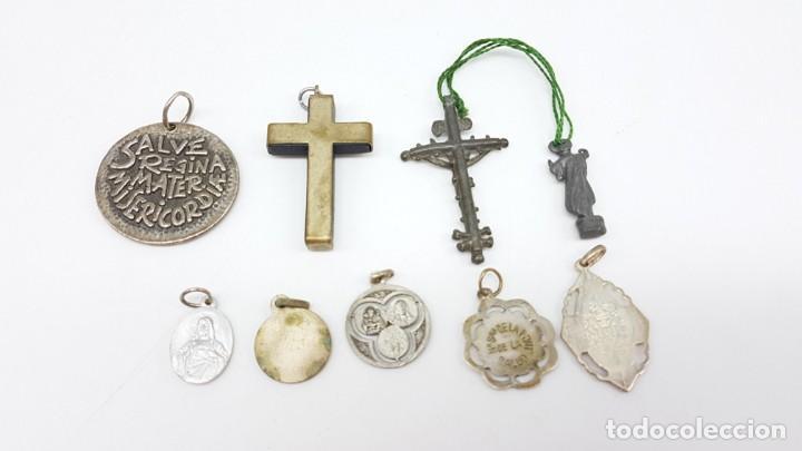 Antigüedades: LOTE ARTÍCULOS RELIGIOSOS MEDALLAS Y CRUCES - Foto 3 - 199712628