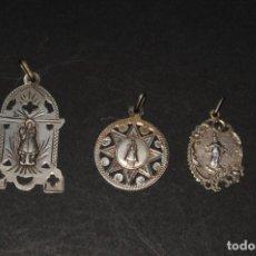Antigüedades: LOTE DE 3 MEDALLAS RELIGIOSAS EN PLATA . Lote 199729530