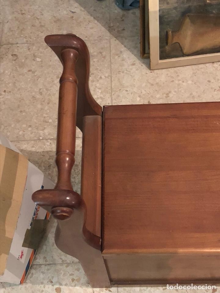 Antigüedades: Bonito mueble auxiliar de madera maciza, años 70 - Foto 2 - 199746186