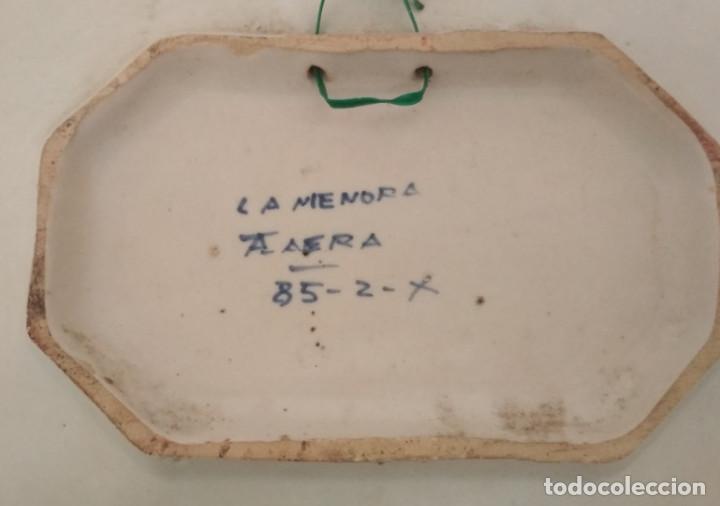 Antigüedades: FUENTE VINTAGE OCHAVADA DE TALAVERA, LA MENORA, 33 X 27,5 CM - Foto 3 - 199776672