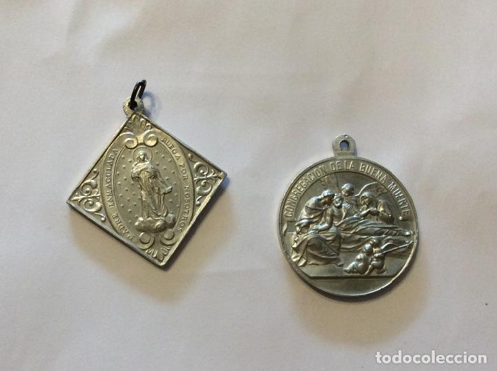 Antigüedades: CONJUNTO DE ANTIGUAS MEDALLAS RELIGIOSAS EN ZINC - Foto 2 - 199806197