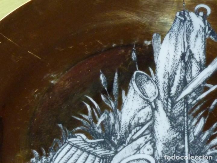 Antigüedades: Precioso plato Piero Fornasetti serie Panoplie porcelana Milán Italia Mid Century original años 50 - Foto 5 - 199819446
