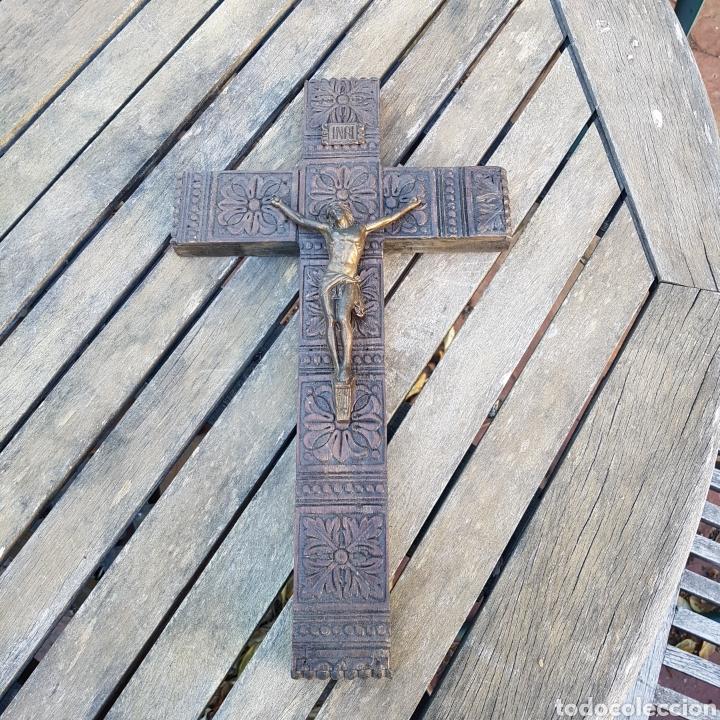 CRUCIFIJO MADERA METAL (Antigüedades - Religiosas - Crucifijos Antiguos)