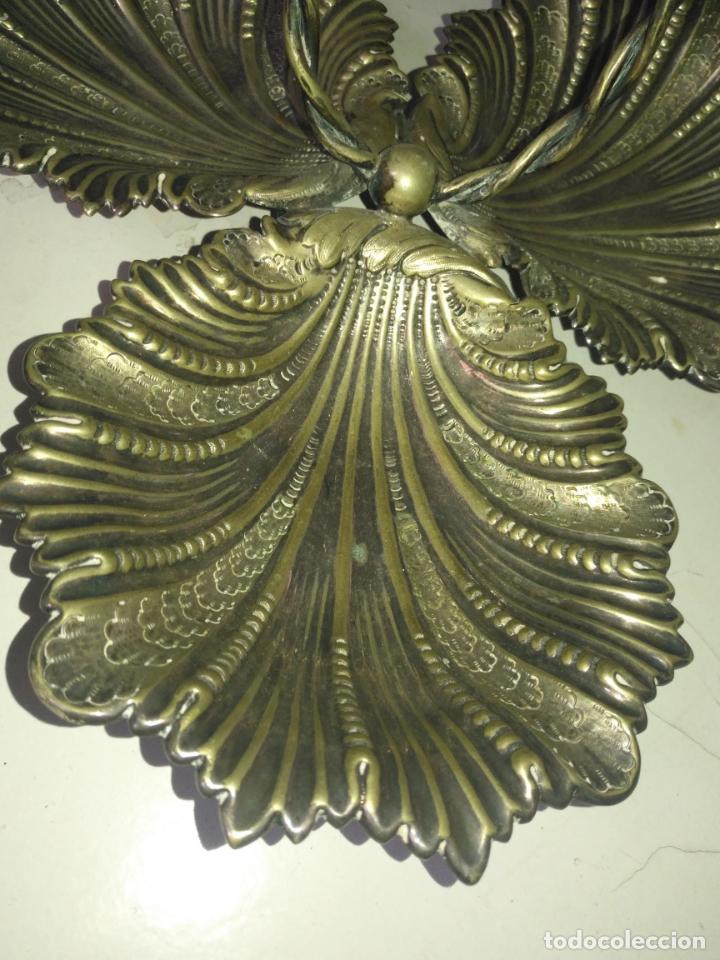 Antigüedades: CENTRO DE MESA TRIPLE Concha JOYERIA CON CON SELLOS GRAN TAMAÑO ALPACA METAL PLATEADO - Foto 10 - 199963851
