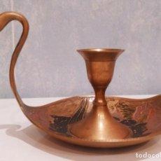 Antigüedades: EXCELENTE PORTAVELAS DE LATÓN/BRONCE. Lote 200033035