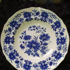 Antigüedades: LOTE 13 PLATOS AZULES SAN CLAUDIO PRINCIPADO BLUEBOUQUET MADE IN SPAIN ANTIGUOS VINTAGE RESTAURAR. Lote 200050173