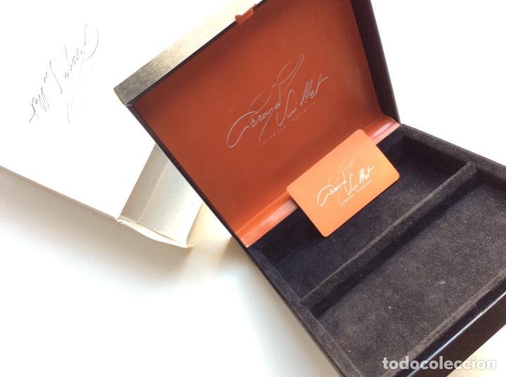 Antigüedades: Envío 6€. Caja guarda gafas del orfevre francés GERARD VUILLET. MIDE 18x18x6cm - Foto 2 - 200101291