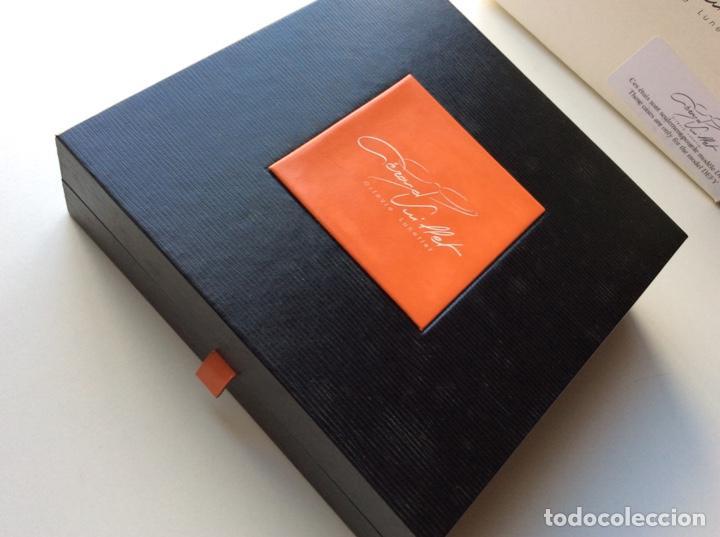 Antigüedades: Envío 6€. Caja guarda gafas del orfevre francés GERARD VUILLET. MIDE 18x18x6cm - Foto 4 - 200101291
