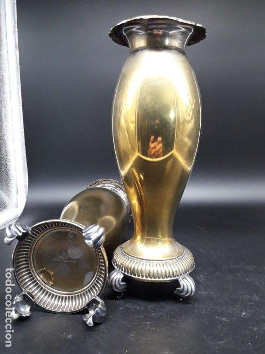 Antigüedades: Pareja floreros metal - Foto 4 - 200149383